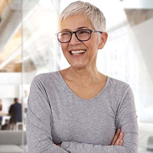 man in blue shirt with dental emergency